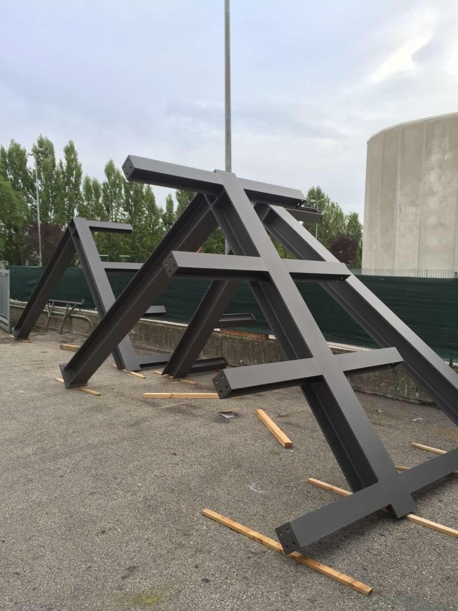 Verniciatura a polveri su ferro zincato